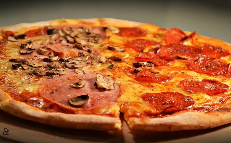 Пица за 15 минути – не се чека тестото да нарасне, брзо и вкусно