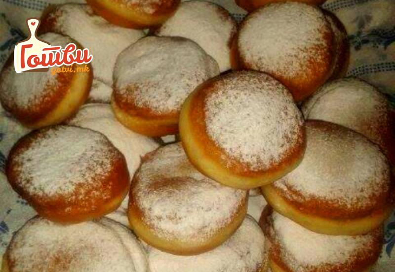 Крофни валкани во шеќер – Брзи и лесни и секогаш успеваат