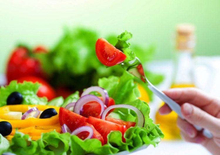 Вратете ја свежината на зелената салата со еден трик