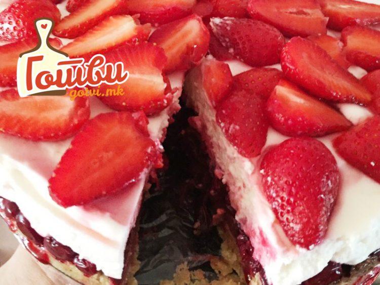 Торта полна јагоди и шлаг – Готова за 30 минути