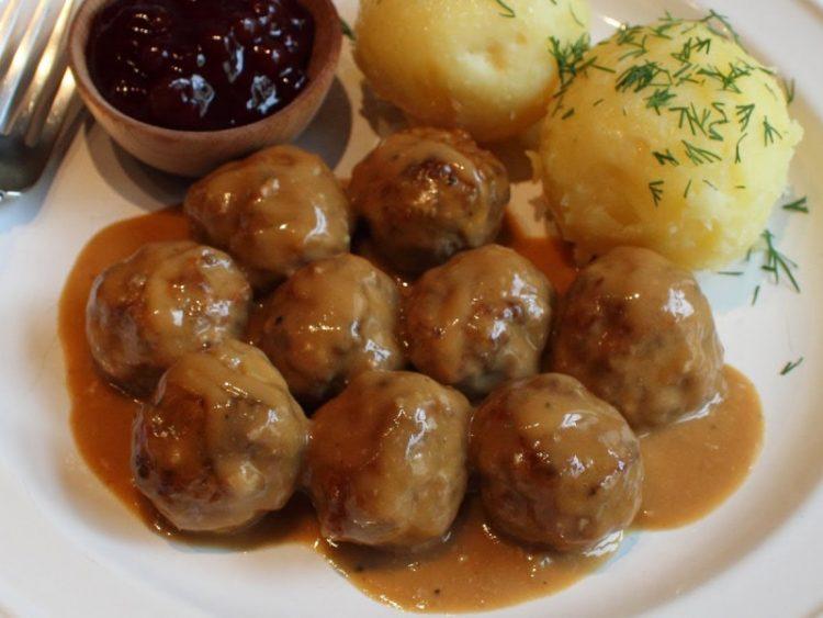 ВИДЕО рецепт: Ќофтиња на шведски начин
