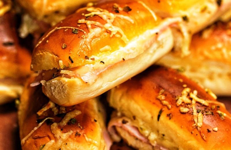 Крцкав печен сендвич кој стана Интернет хит: Закуска за секој дел од денот