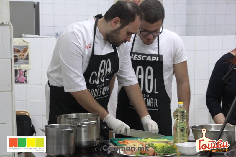 ФОТО: Фичо открива неодолив рецепт за баничка со спанаќ и сирење