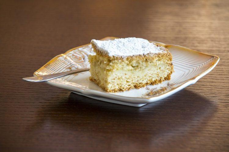 Домашен колач кој брзо се прави – Може да го јадат и дијабетичари