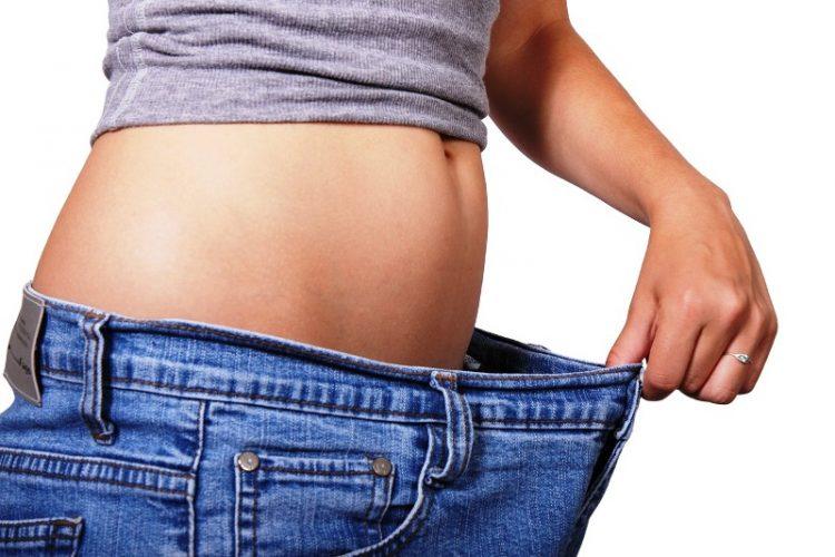 """Спремете се за летото: Помешајте ги овие состојки, салото на стомакот се претвара во """"плочки"""""""