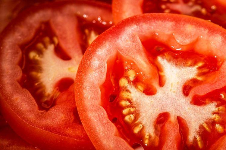 Ова е најголемата грешка која може да ја направите со доматите