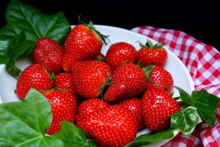 Десет причини зошто да јадете јагоди