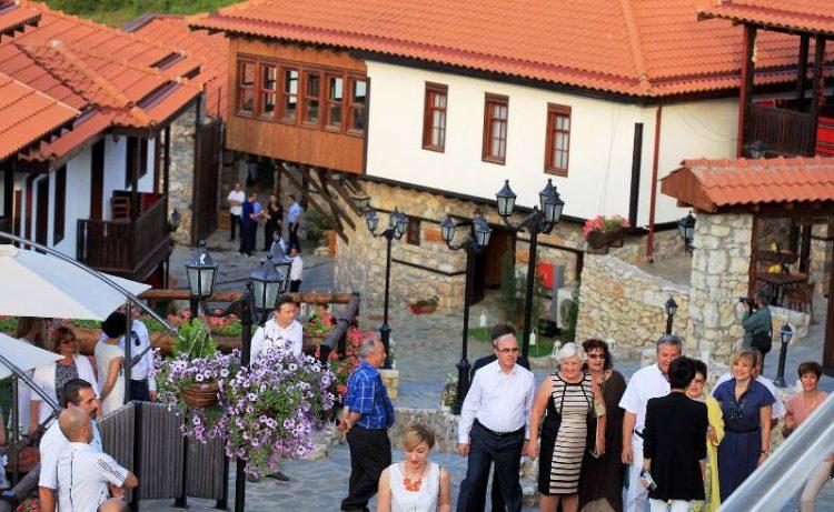 """Проверете кога имате автобус до """"Македонско село"""" – ЈСП со нова автобуска линија"""
