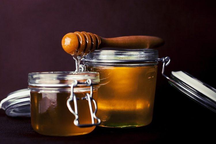 Ова сигурно не го знаете: Како да препознаете природен мед?