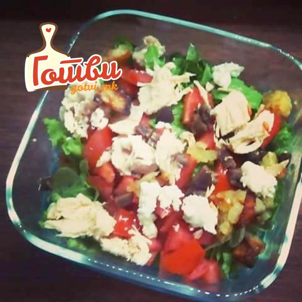 Супер одат во салати: Домашни кубети готови за миг