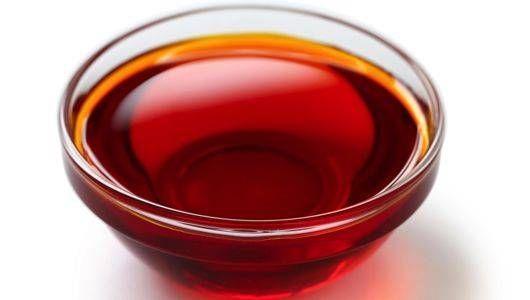 Ова масло е универзален лек: Направете го по домашен рецепт
