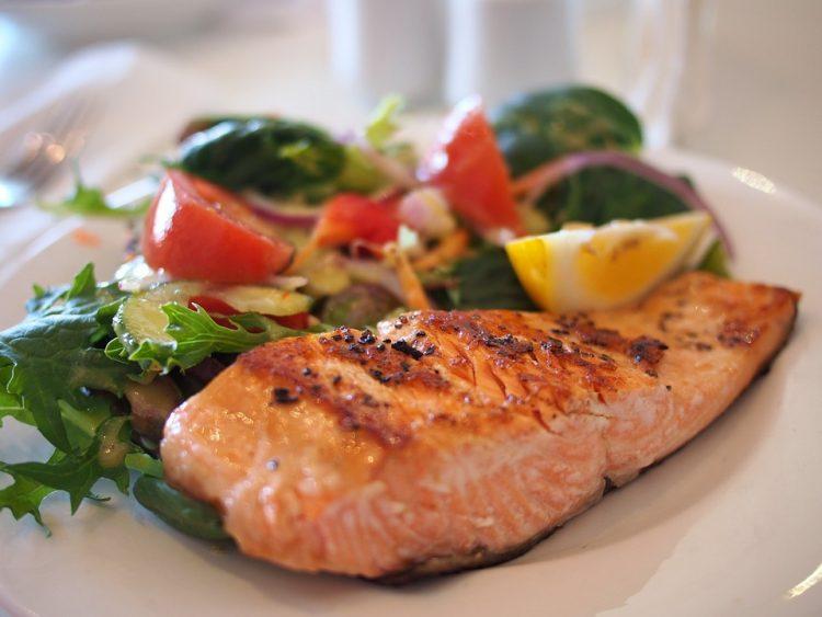 Љубители сте на риба? – направете вкусна и крцкава печена пастрмка