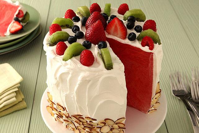 Сите ќе се прашуваат како ви успеало: Направете торта од лубеница
