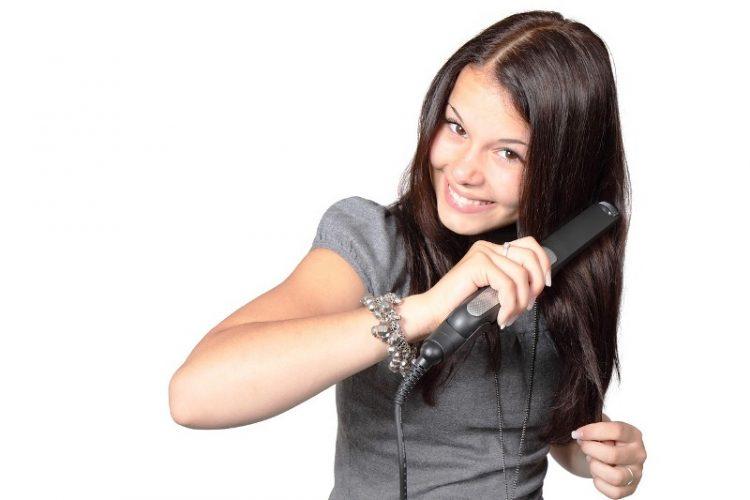 Маска за блескава коса од корен до врвовите – Ја враќа во живот и најоштетената коса