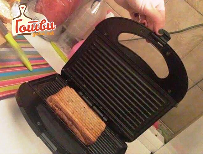 Како темелно да го исчистите тостерот – Нема да има ни ронка леб