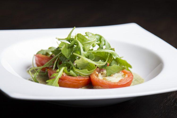 Домати како деликатес: Тава со богат вкус