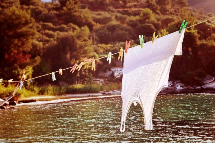 БЕСПЛАТНО: Домашни средства за чистење флеки и перење на облека