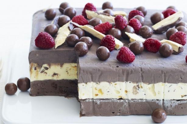 Сладолед торта –  рецепт со ко� летото го доби сво�от сладок вкус