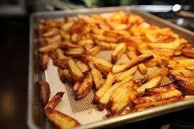 Ручек идеја: Совршен и крцкав помфрит во рерна