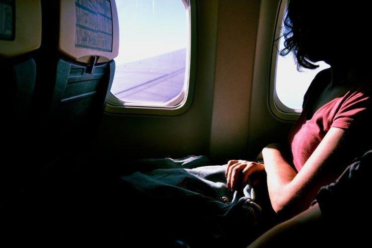 Науката потврди: Во авион храната нема ист вкус!