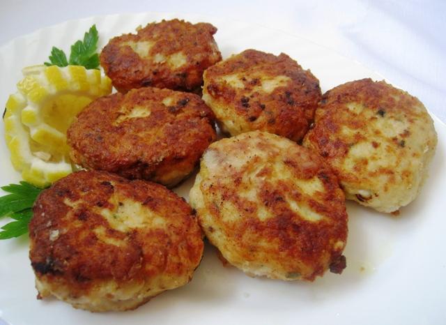 Ручек готов за миг: Котлети од кус-кус и сирење