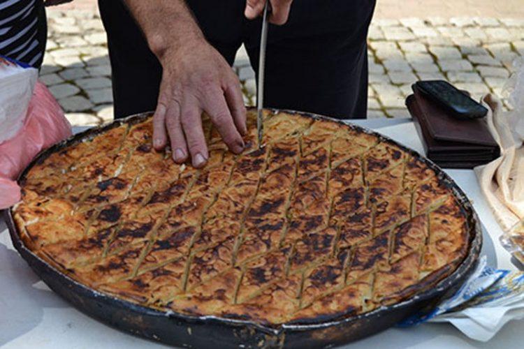 ФОТО: Вкусна Охридска софра како круна на туристичката сезона