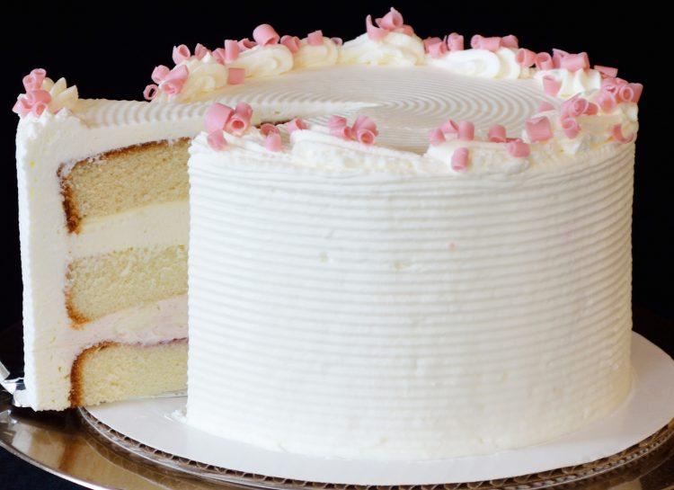 """Домаќинките """"збеснаа"""" по оваа торта: Се прави за пет минути!"""