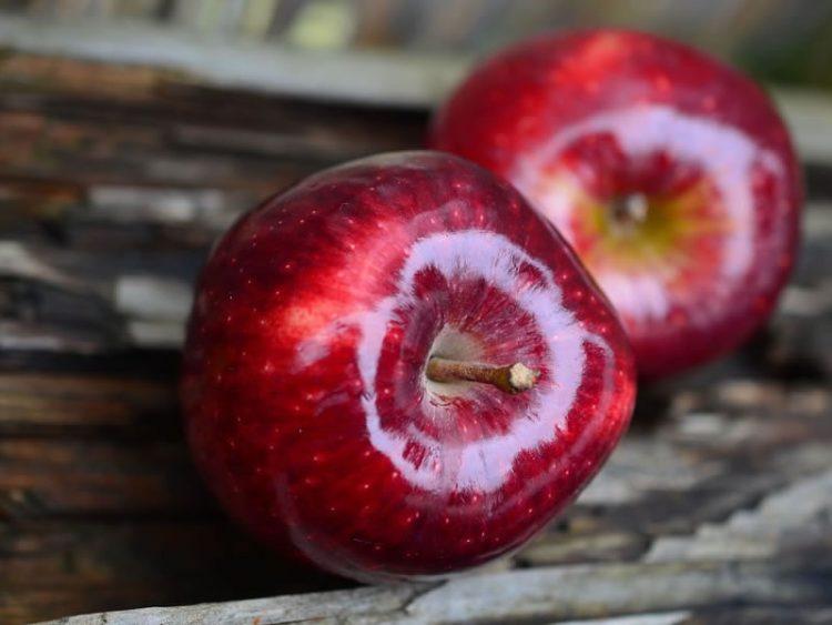 Сигурно не знаевте дека ова можете да го направите со јаболка! (ВИДЕО)