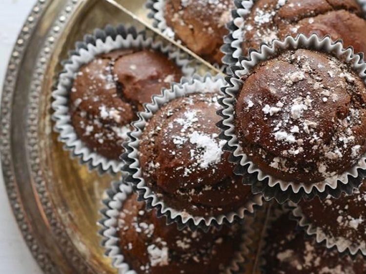 Едноставен, а неодолив празничен десерт: Лава колач од шолја!