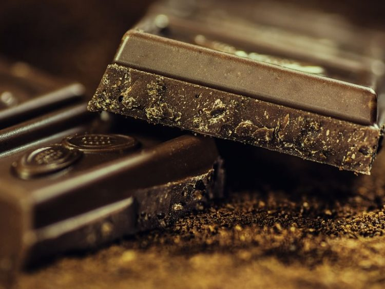 БРЗО И ЕДНОСТАВНО: Рецепт за вкусно домашно чоколадо