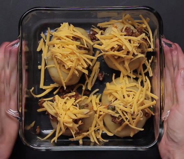ВИДЕО: Стар рецепт на нов начин – мусаката никогаш не била повкусна