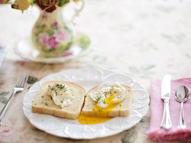 4 работи кои морате да ги додадете во доручекот и килограмите ќе почнат да се топат