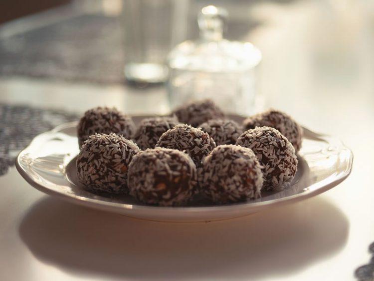 БРЗИ, ВКУСНИ И ЗДРАВИ: Обидете се да ги направите овие колачиња!