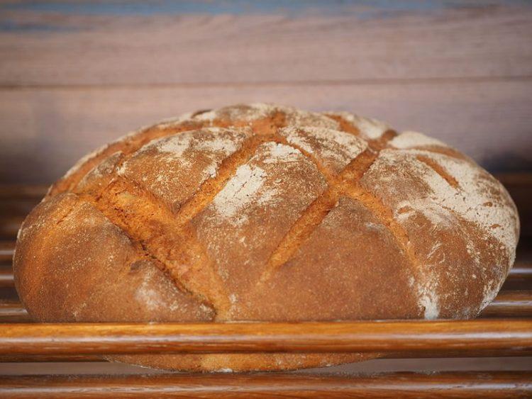Леб со млеко