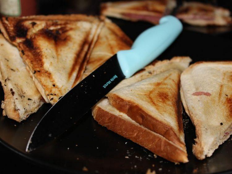 СОЧНИ ПРЖЕНИЦИ ОД РЕРНА: Највкусниот оброк од бајат леб!