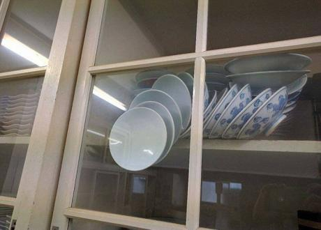 ФОТО: Фотка од кујната го запали Интернетот – оваа мајка бара помош