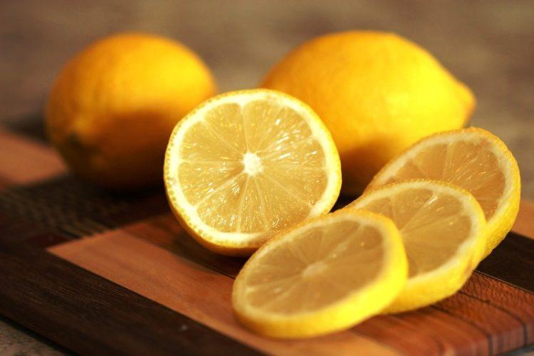Изобилство од здравје и витамини: Измешајте лимон и чиа за тело здраво како дрен