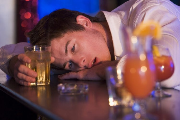 Колку Македонците пијат алкохол? – еве каде се пие најмногу