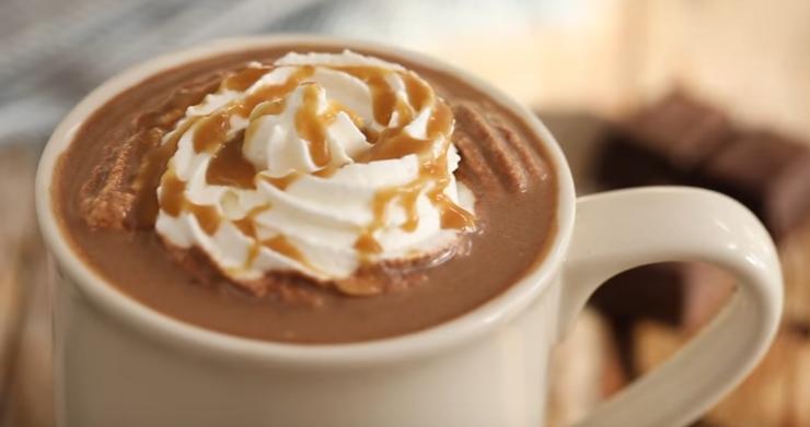 Направете Старбакс кафе во вашиот дом – уживање во зимските ноќи