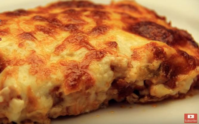 ДЕНЕСКА НА МЕНИ: Наредете компири, ставете месо и бешамел – деликатес!