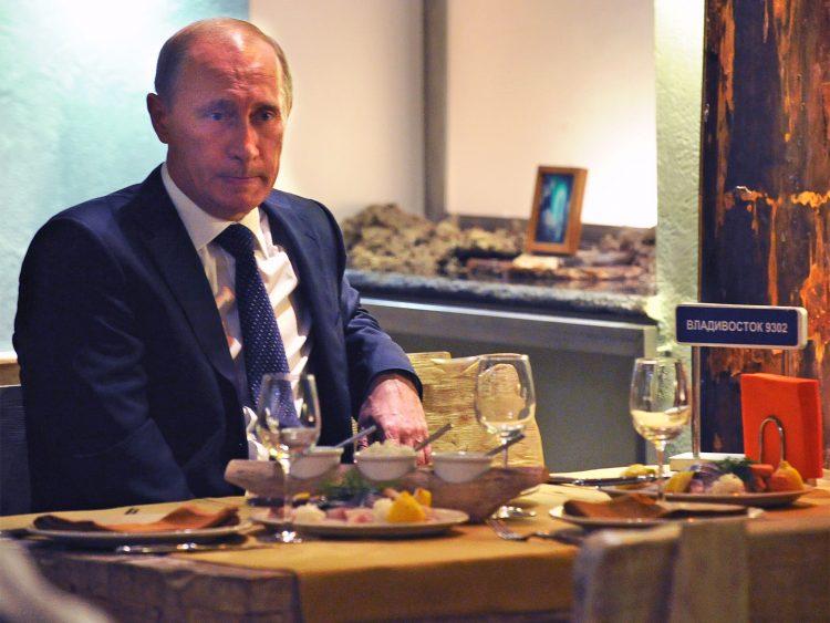 Што јадат Путин и Хилари Клинтон – тајни од кујните на лидерите