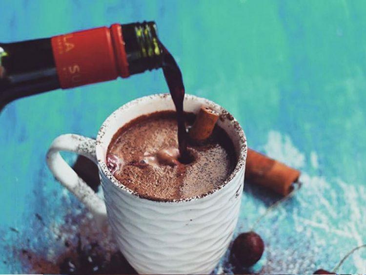 Топло чоколадно вино – Сè што ви треба за зимските ноќи
