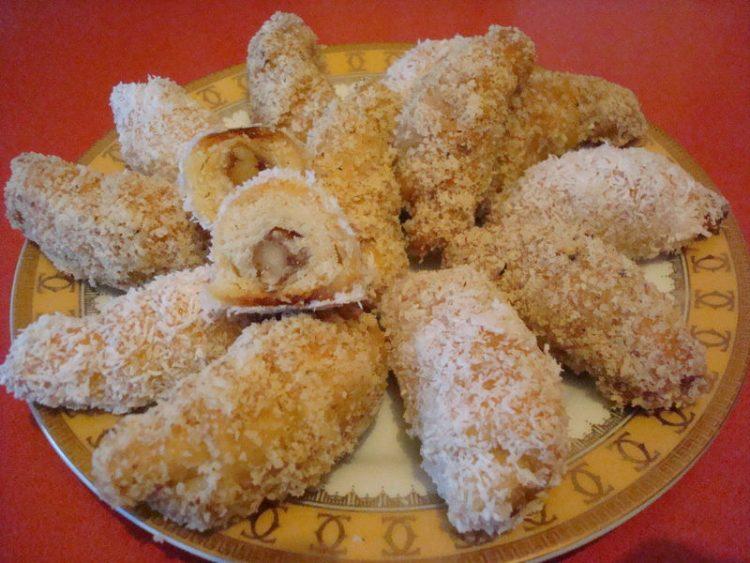 СРЕЌНА СЛАВА НА СИТЕ ДОМАЌИНИ: Посни колачи за Свети Никола