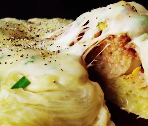 Зема зелка и ја наполни со месо – ако во здодеа од макарони и компири, ова е за вас