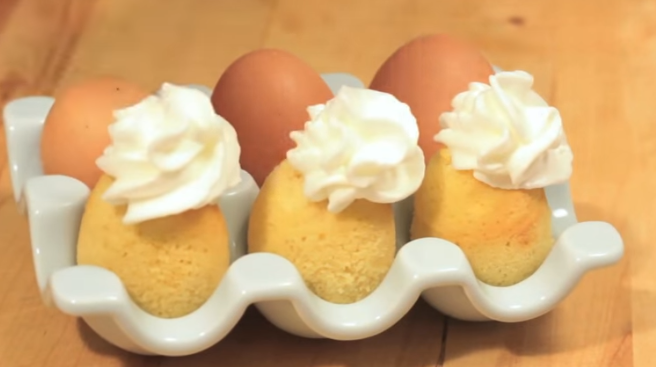ВИДЕО: Направи дупче во јајцето – испече колач во него!