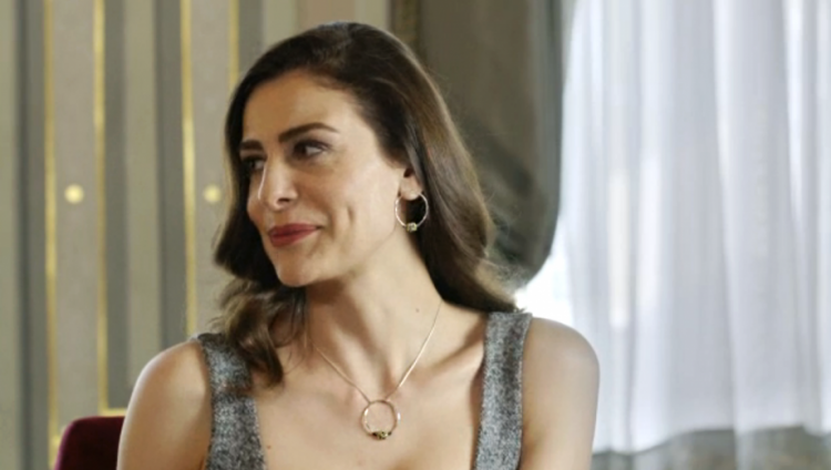 """ВИДЕО: Актерката од """"Парампарче"""" играше чочек на """"Стани моме да заиграш"""" на својата свадба"""