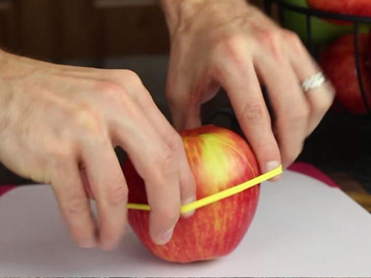 Гризнатото или исечено јаболко нема да пожолти – Има еден трик