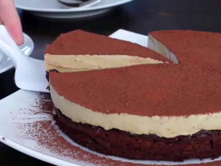 ВИДЕО: За најубава декорација на торта ви треба само една евтина намирница