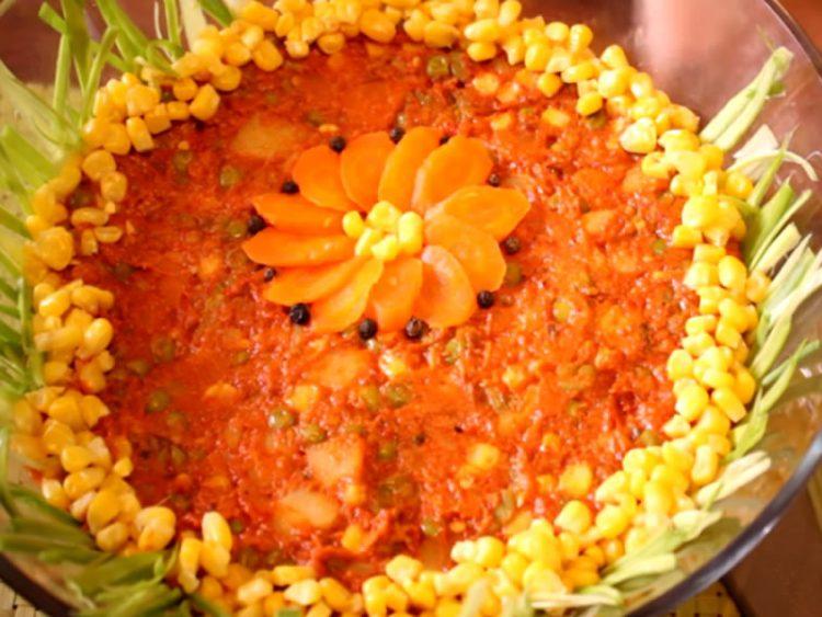 Посна салата со ајвар и зеленчук (ВИДЕО)