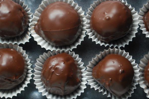 Неодоливи бомбици од чоколаден пудинг